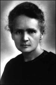 Physicienne d'origine polonaise, elle fut la première femme à être titulaire d'une chaire à la Sorbonne. Elle reçut, avec son mari, le prix Nobel de physique pour ses découvertes sur le radium.