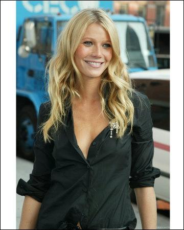 Actrice et chanteuse américaine, elle a joué aux côtés de Brad Pitt dans Seven