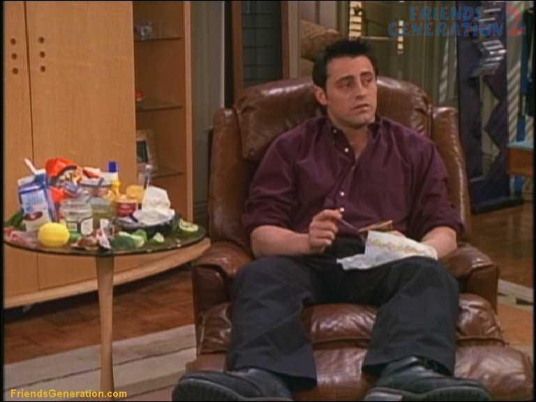 Dans 'Celui qui a un problème de frigo', à qui Joey demande-t-il de l'argent pour le remplacer ?
