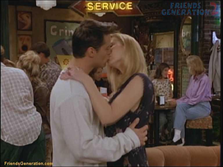 Combien de fois Joey et Phoebe s'embrassent-ils ?