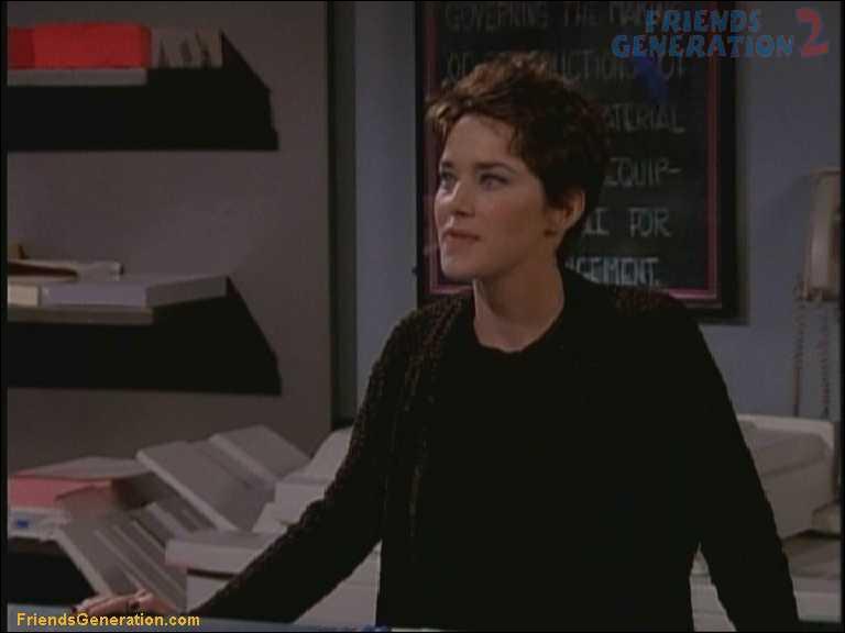 Si Joey et Chandler se retrouvent avec Chloé au lit, qu'ont-ils décidé ?