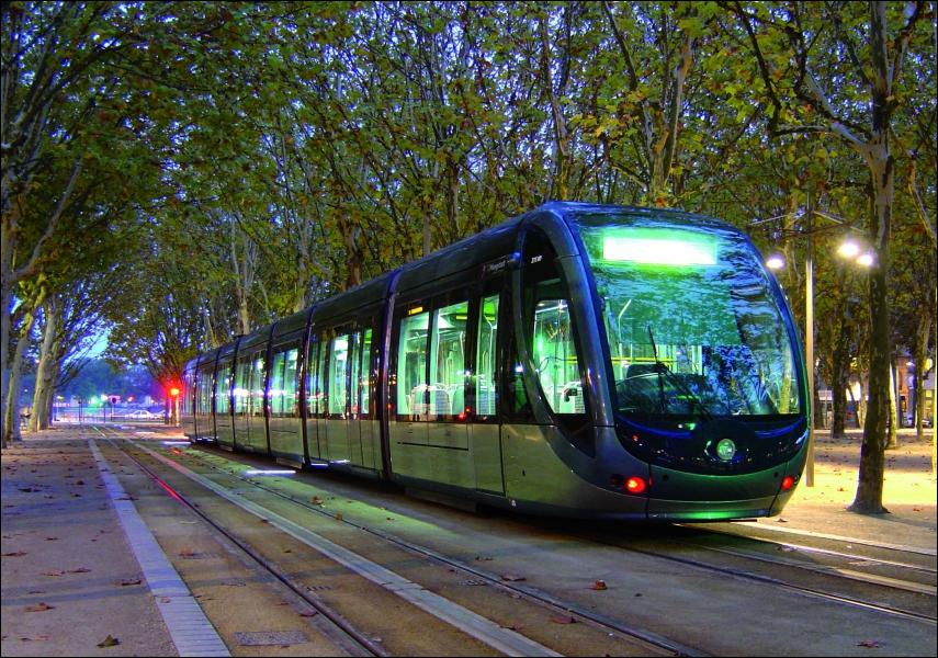 La France et les déplacements : laquelle de ces villes ne possède pas de tramway ?