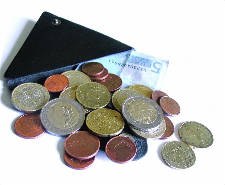 La France et l'argent : d'après vous, à quelle place se situe la France au classement des pays les plus riches ?