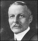Il a fait dans la phonographie, associé à Marconi, mais c'est dans le cinéma avec son frère qu'il a fondé sa société de production, toujours vivante :