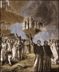 Quel mouvement chrétien jugé hérétique par la papauté était visé dans cette croisade ?