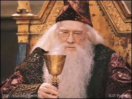 L'acteur interprétant Dumbledore dans le 1, se nomme ?