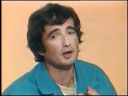 Complétez le titre de 1981 du corse Hervé Cristiani : 'Il est libre... '.