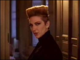 Fin 1986, où Desireless ne part-elle pas en voyage ?