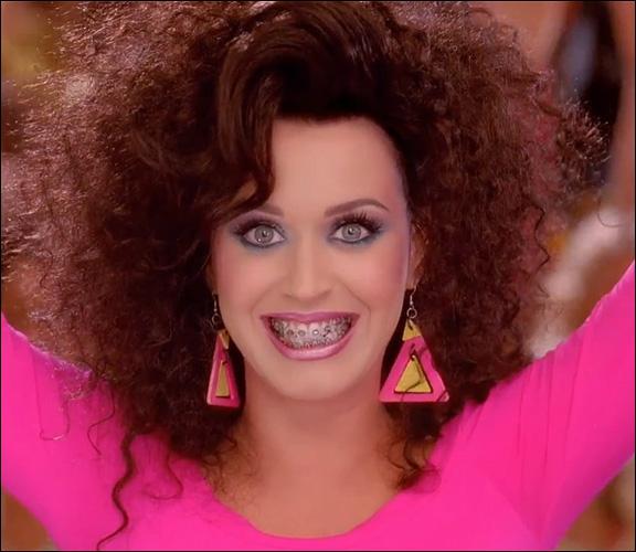 Quelle(s) principale(s) chanson(s) chante Katy Perry en 2011 ?
