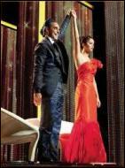 Quel surnom donne-t-il à Katniss durant la cérémonie de présentation ?
