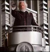 Quel est le nom du président de cet Etat totalitaire qui déclare, du haut de la tribune, l'ouverture des 74e Hunger Games ?