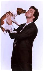 Dans quel film Jim Carrey est-il le maître de Milo, un Jack Russel très énergique ?