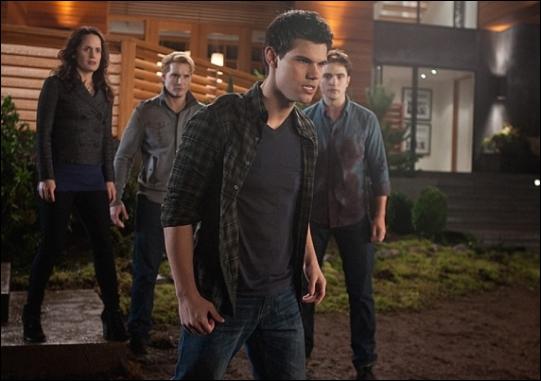 Qui a protégé Jacob quand Bella a failli tuer ce dernier ? (chapire 23)