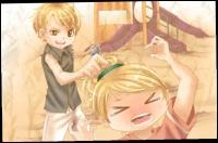 Qui tire les cheveux de cette blonde ?