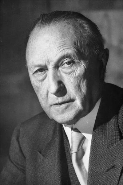 Konrad Adenauer fut le premier chancelier de la République Fédérale allemande.