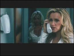 Que dit une voix quand le téléphone sonne ?