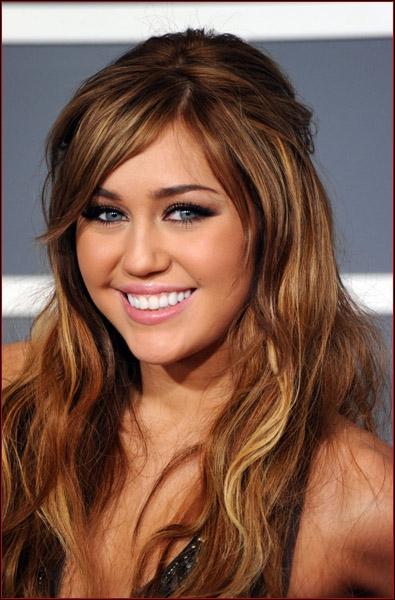 Quel est le nom de scène de Miley Cyrus ?