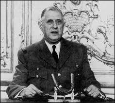 Quelle grave décision prend le général de Gaulle en 1961 pour régler le conflit algérien ?