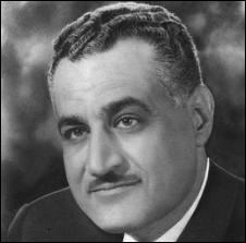 La situation internationale de la France vis à vis du monde arabe se détériore gravement lors une opération militaire en Egypte (1956 ). Quel est cet évènement majeur de la guerre froide ?