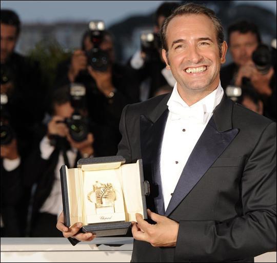 Cinéma : Jean Dujardin a réçu le prix d'interprétation au 64è Festival de Cannes, mais pour quel film ?