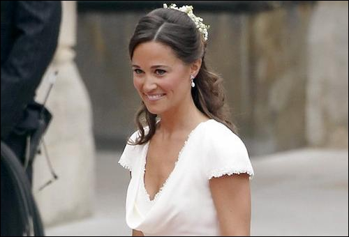 People : comment s'appelle cette jeune femme qui a fait sensation lors du mariage de sa soeur Kate Middleton avec le prince William ?