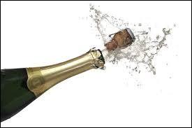 Comment conseille-t-on de déboucher une bouteille pour une meilleure qualité gustative du champagne ?