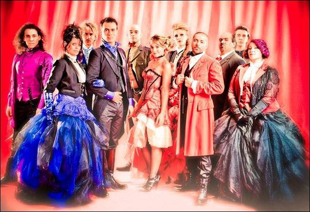 La comédie musicale 'Roméo et Juliette' est revenue en France en 2010 avec une nouvelle version du spectacle et une nouvelle troupe à quelqu exceptions près. Comment s'appelle la 'nouvelle' Juliette ?