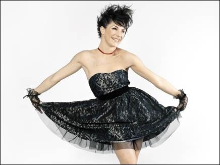 Claire Pérot qui interprète Constance (la femme de Mozart) dans Mozart, l'opéra rock, a joué dans une autre comédie musicale. Laquelle ?