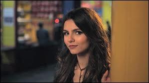 Quelles sont les caractéristiques liées au personnage de Tori Vega ?