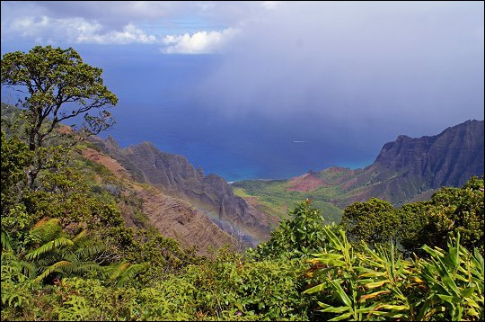 Cette photographie représente l'île de Kauai à Hawaï. Quelle est la capitale de cet État américain ?