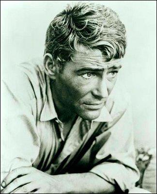 Il a joué dans 'Lawrence d'Arabie' (1962) et plus récemment dans 'Troie' aux côtés de Brad Pitt. Qui est-ce ?