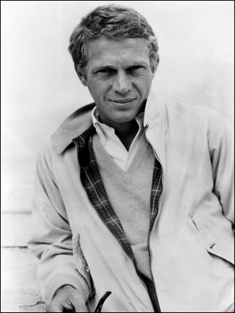 Acteur et pilote automobile, il incarne souvent des anti-héros, comme dans 'L'affaire Thomas Crown' (1968). Qui est-ce ?