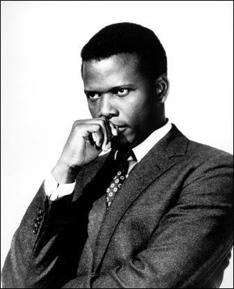 Premier noir à recevoir l'Oscar du meilleur acteur (1963), il a joué dans des films à thèmes raciaux comme 'Dans la chaleur de la nuit' ou 'Devine qui vient dîner'. Qui est-ce ?