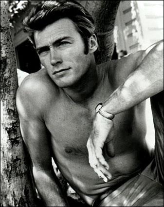 Connu pour ses rôles dans des westerns, il est aussi réalisateur de films récents comme 'Invictus' ou 'L'échange'. Qui est-ce ?