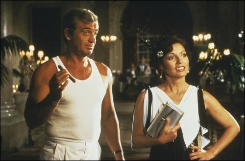 Sous la direction de quel réalisateur Marie-France Pisier, décédée le 24 avril, a-t-elle joué aux côtés de Jean-Paul Belmondo dans 'L'As des as' ?