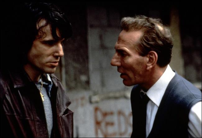 Dans quel film l'acteur Pete Postlethwaite, décédé le 2 janvier, s'était-il montré un impressionnant partenaire à un impressionnant Daniel Day-Lewis ?