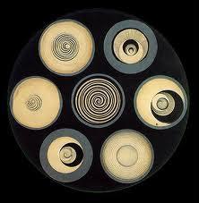 Cette oeuvre est titrée Disques gardant des spirales, et l'auteur en est ?