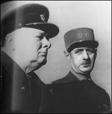Quelles étaient les relations entre Churchill et de Gaulle , le chef de la 'France Libre' réfugié à Londres ?