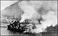 En juillet 1940, Churchill envoie la marine britannique détruire une escadre française , de crainte qu'elle ne tombe dans les mains d'Hitler. Dans quel port militaire cet évènement a-t-il eu lieu ?