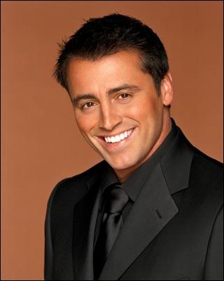 Comment s'appelle la soeur de Joey qui tombe enceinte et qui n'ose pas l'avouer à son frêre ?