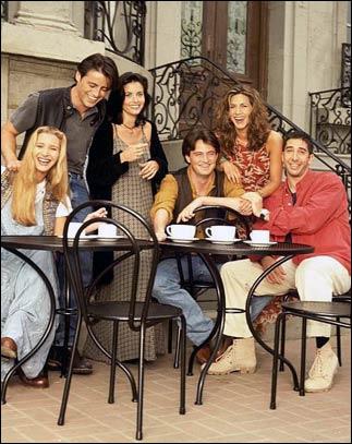 Franck Jr arrive dans la salle où les Friends attendent les nouvelles et il s'écrie à propos de Chandler ( le bébé )...