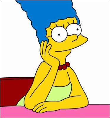 De quelle couleur sont les cheveux de Marge ?