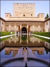 Où se trouve le palais de l'Alhambra ?