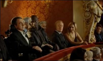 Driss accompagne Philippe à l'opéra. Qu'est-ce qui le fait mourir de rire en pleine représentation ?