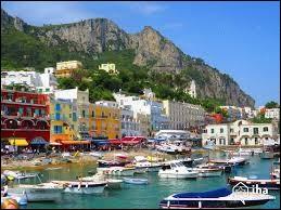 Je ne sais pas ce qui s'est passé pour lui à Capri mais ça fait 46 ans qu'il nous rabâche que ''c'est fini'' !