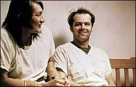 Film de Miloš Forman (1975) où ce même Jack Nicholson se fait lobotomiser pour avoir tenté d'humaniser un hôpital psychiatrique ...