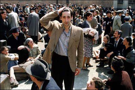 Un film de Roman Polanski (2002) ou comment survivre plusieurs années dans le Ghetto de Varsovie en ruines.