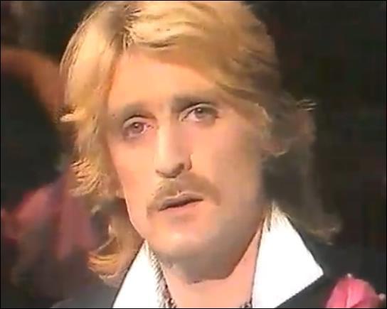 Qui a écrit les paroles de la chanson ' Les Mots bleus' interprétée par Christophe ?