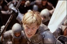 Devant quelles villes Jeanne d'Arc fut-elle blessée (à la poitrine et à la cuisse) ?