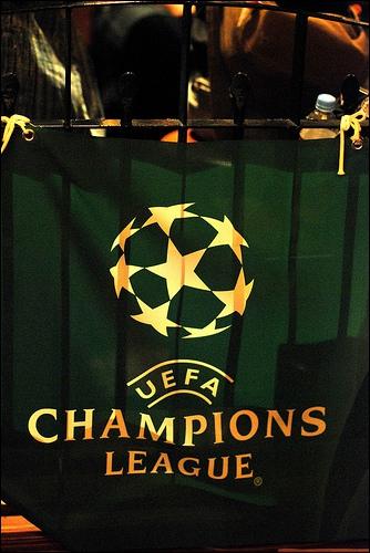 Quels clubs français se sont-ils qualifiés pour les huitièmes de finale de la Ligue des champions ?